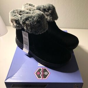 Khombu Jessica Ladies Boots Black With Box & Tags
